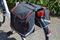 Fahrrad-Doppeltasche mit Reflektorstreifen