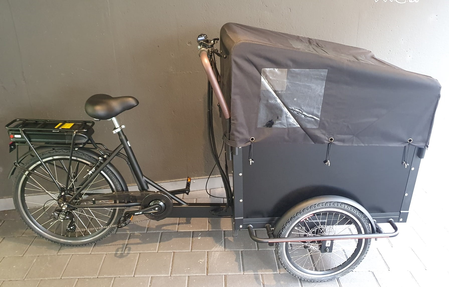 Hollandia E-Cargo, Lastenrad mit Gasgriff und Transportbox